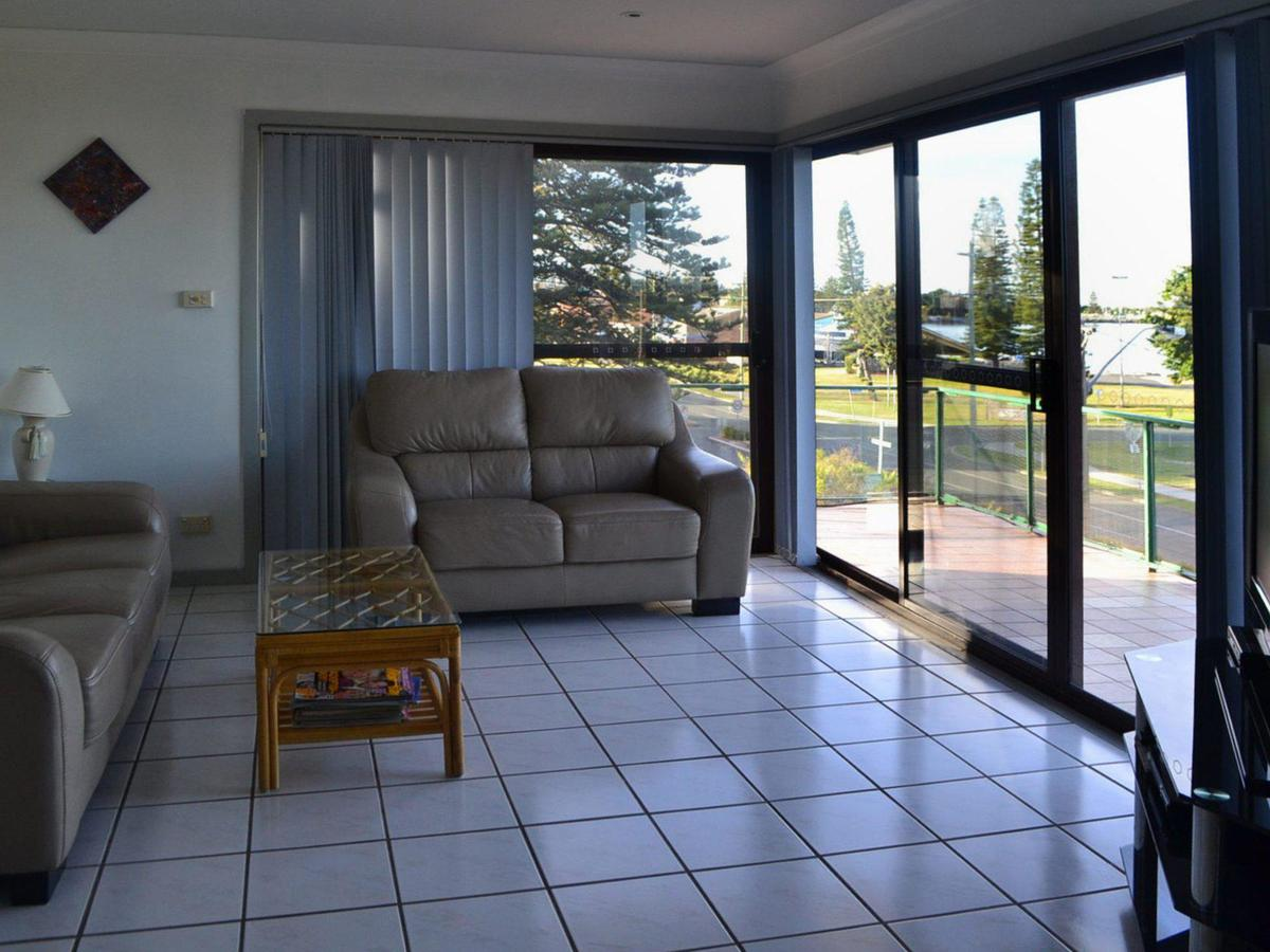 Oxley 8 at Tuncurry - Accommodation Gold Coast