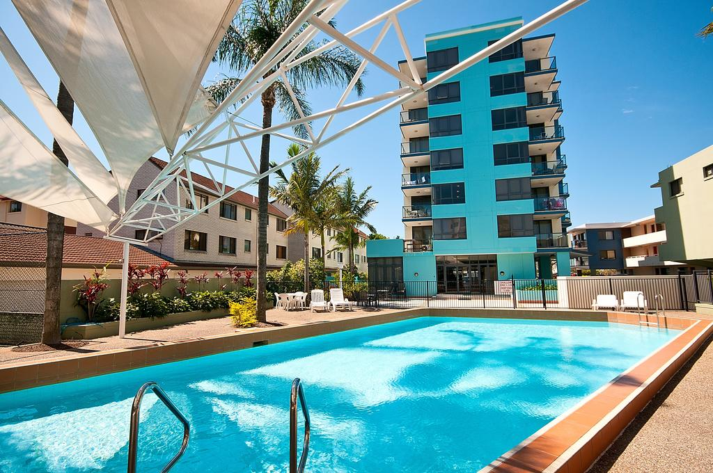 Aqualine Apartments On The Broadwater - Accommodation Gold Coast